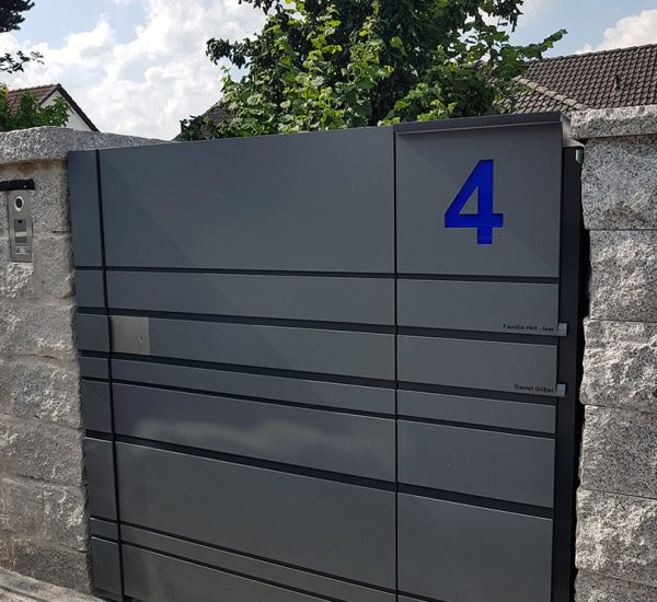 Hausnummer 4